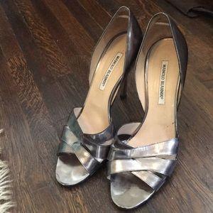 Shoes - MANOLO BLAHNIK bronze/metallic heel.